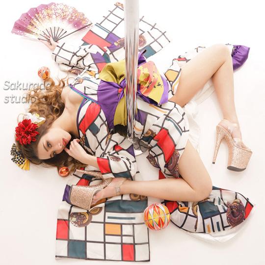 YURIAさん | ポールダンサーアーティスト写真